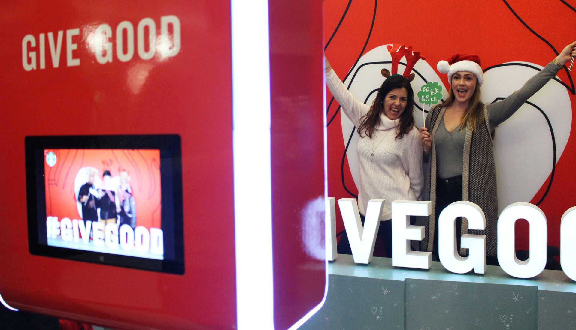 Photo Booth Rental Services Give good infinity booth christmas event Toronto